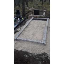 1-kohaline - koos vundamendiga - Pesubetoonist hauapiire