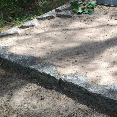 Vana Paekivi hauapiirde eemaldamine